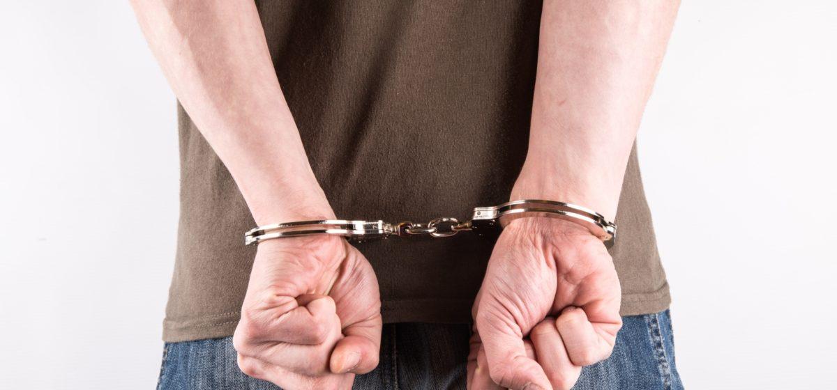 В Барановичах осудили мужчину, который в автобусе напал на контролера