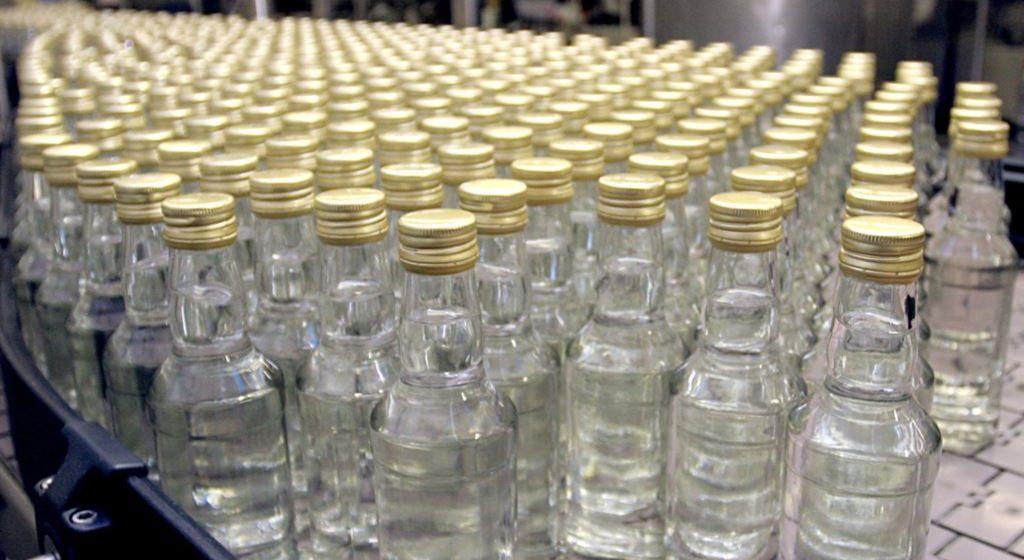 На Гомельском ликеро-водочном заводе исчезли 47000 бутылок водки