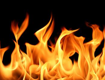 В Барановичах горела машина, а в районе – два дома