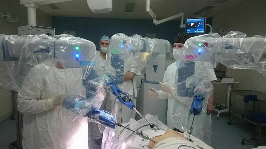 В Беларуси в президентской больнице будет работать робот-хирург