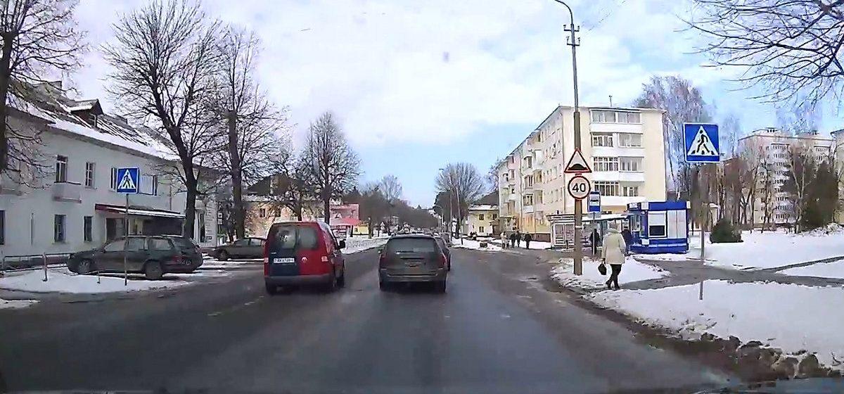 Барановичи на видеорегистраторе. Обгон, обгон и… затяжной обгон на пешеходном переходе