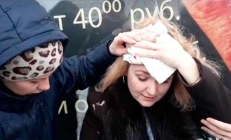В Гомеле посетительнице универмага на голову упал кусок льда