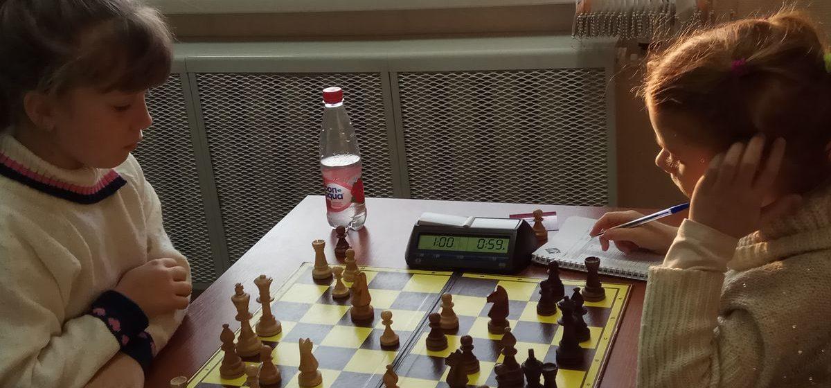 Барановичские юные шахматисты стали призерами первенства области