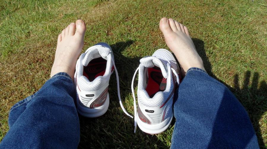 Восемь домашних средств, которые устраняют неприятный запах из обуви