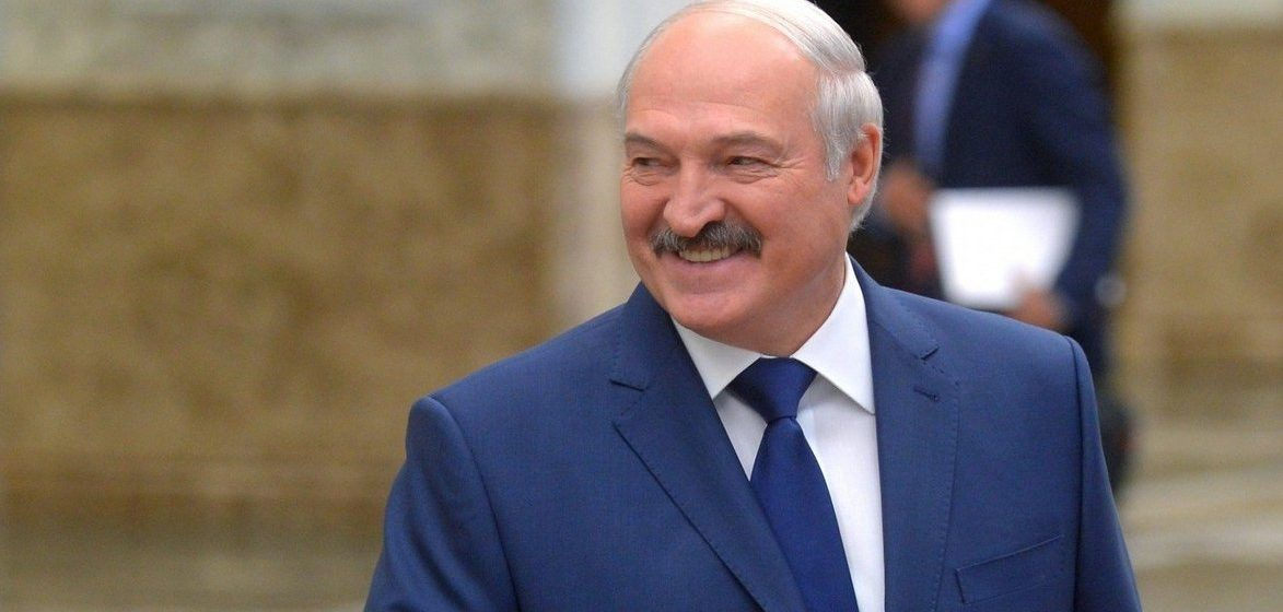 Как Лукашенко поздравил белорусок с Днем матери