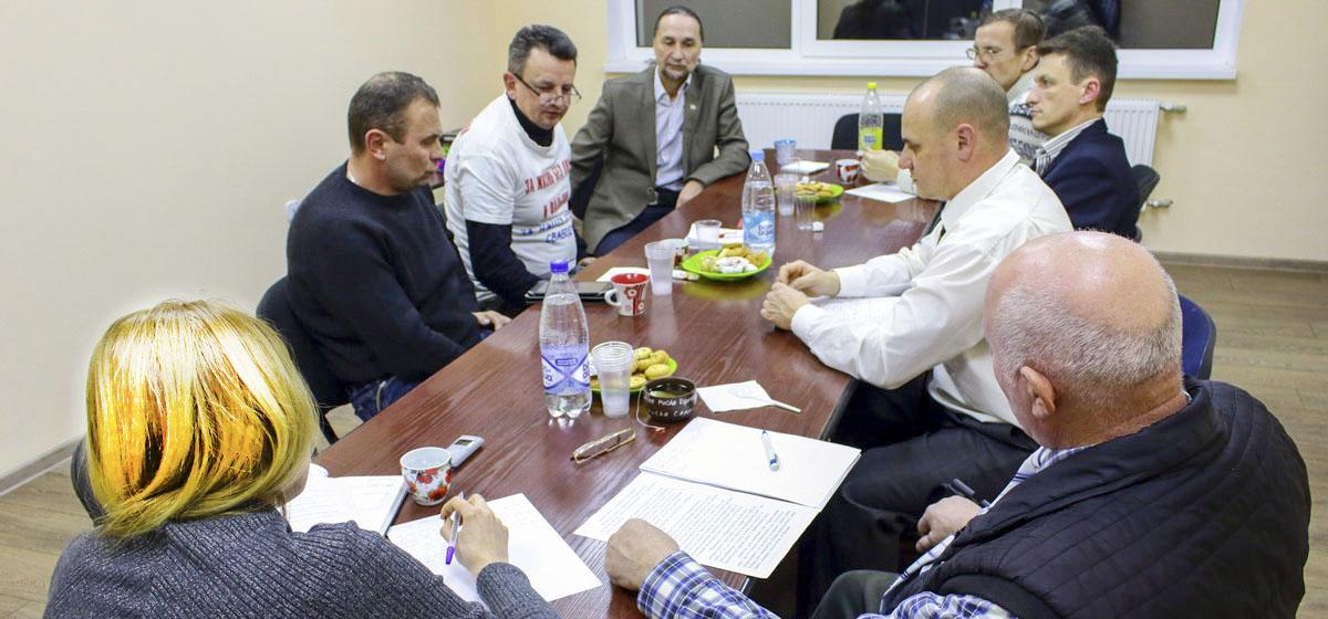 Круглый стол барановичских кандидатов в депутаты: «Депутаты-руководители госструктур будут стараться угодить властям, а не избирателям»