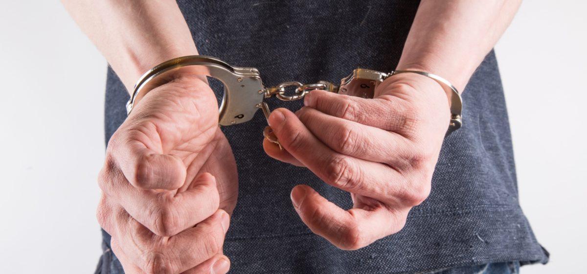В Барановичах осудили мужчину, который после вечеринки в ночном клубе угнал машину и попал на ней в ДТП