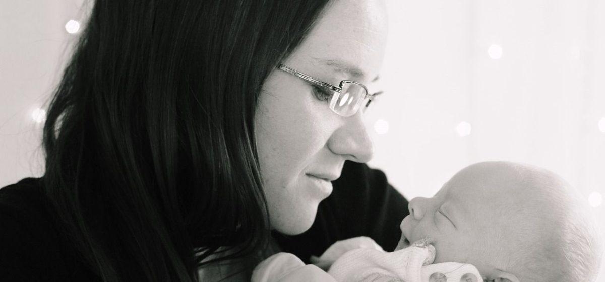 Родственники смогут посещать молодых мам в палатах роддомов