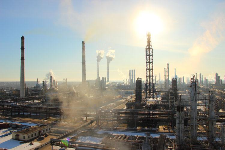 Семашко: НПЗ в январе получили убытки. Повышение цен на бензин на две копейки положения не исправит