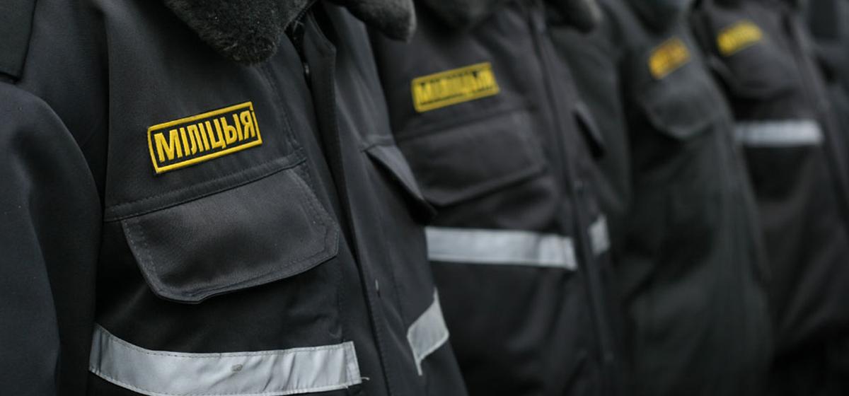 Сколько нужно подтянуться стражам порядка разных стран