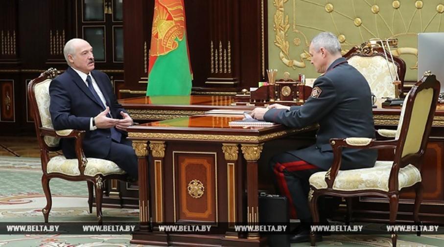 Лукашенко потребовал, чтобы МВД помогло МЧС проверить массовые места на безопасность и жестко наказать виновных за серьезные упущения