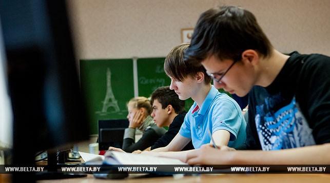 При приеме на свободные места в 10-11 классах гимназий будут проводиться два экзамена