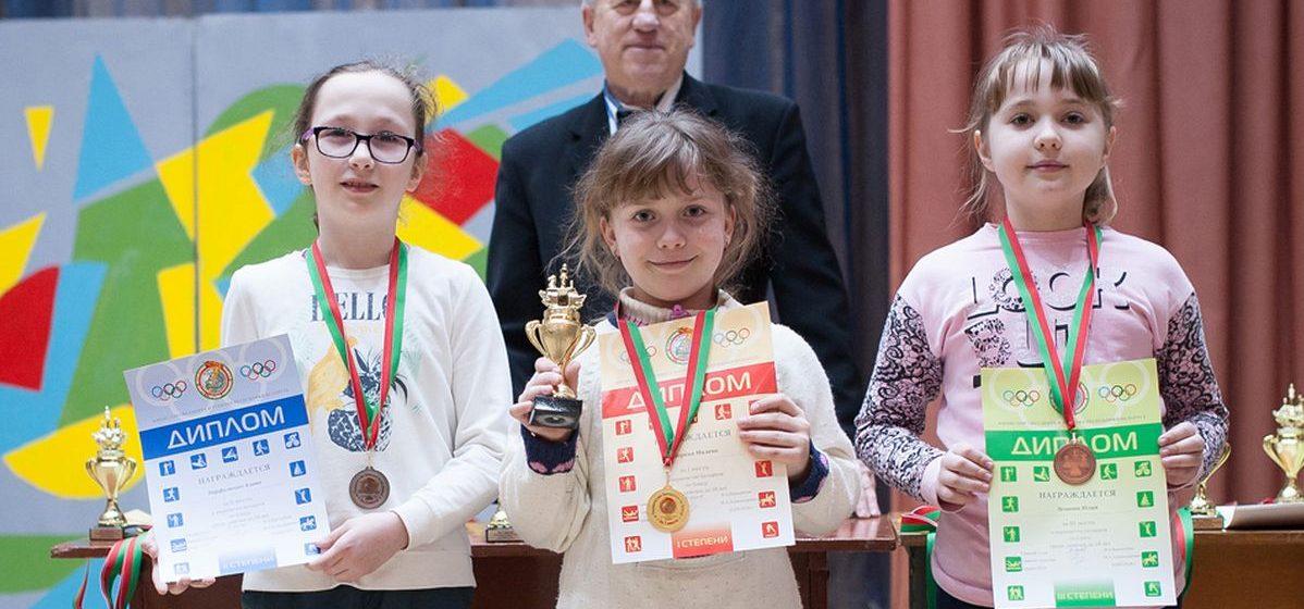 Юные барановичские шахматисты стали призерами первенства Беларуси