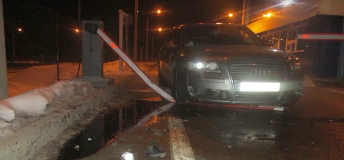 Видеофакт. В пункте пропуска «Привалка» белорус на Audi пытался прорваться из Литвы на родину