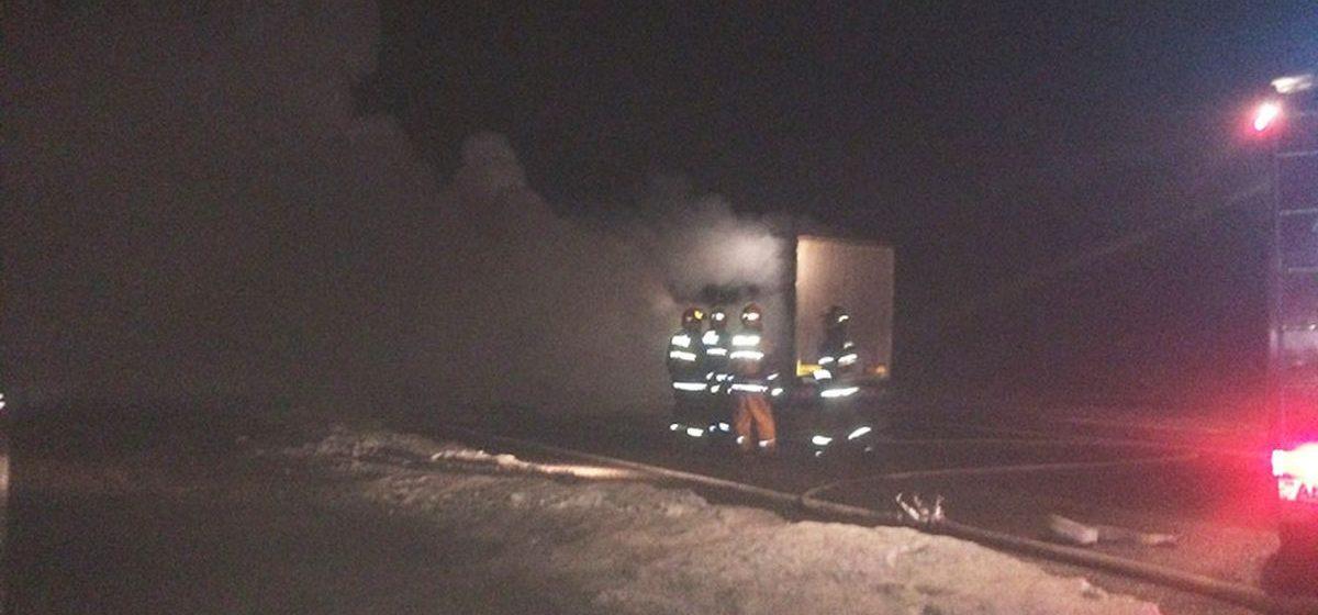 Сгоревшая фура на трассе в Барановичском районе спровоцировала двухкилометровую пробку