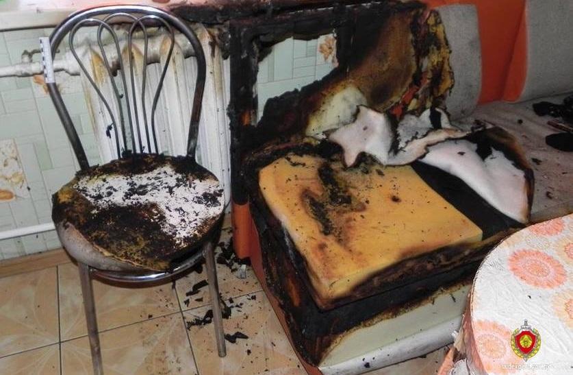 В Лидском районе парень обокрал дом, а после поджег его вместе с хозяевами