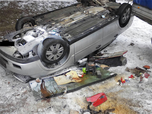Под Минском столкнулись фура без страховки и легковушка без техосмотра