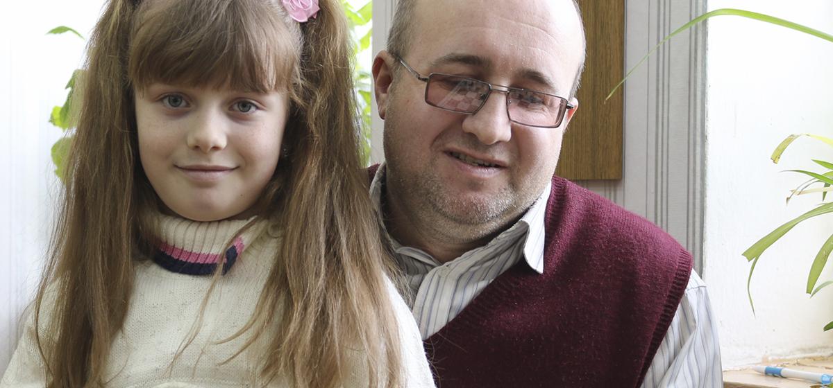 «Играет в шахматы даже бонстиками». Как в Барановичах восьмилетняя девочка вошла в ТОП-10 лучших спортсменов города