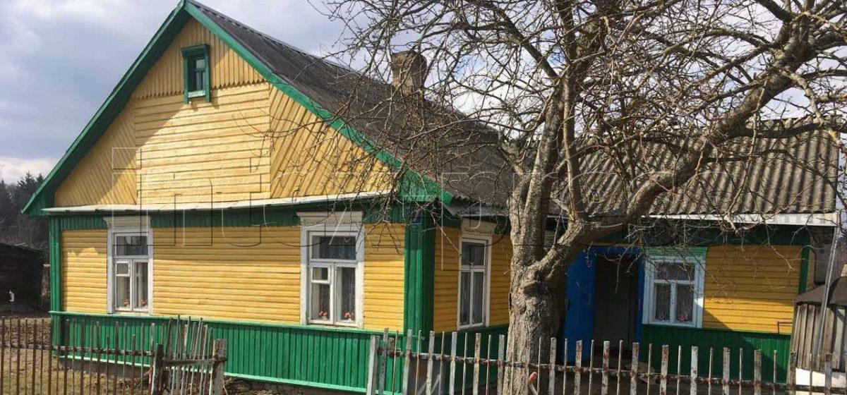 В Барановичском районе неизвестные в масках ворвались в дом пенсионерки. Женщину связали и потребовали денег