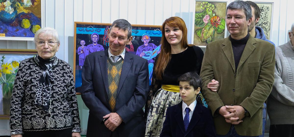 В Барановичах открылась выставка семьи Щербаковых
