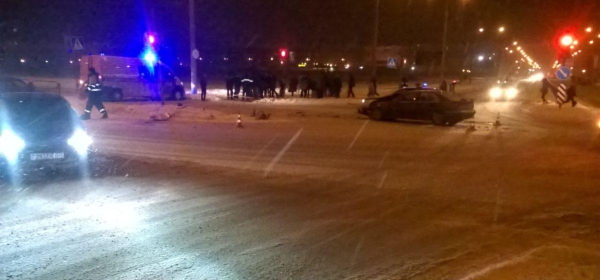 В Барановичах на перекрестке столкнулись БМВ и автомобиль газовой службы