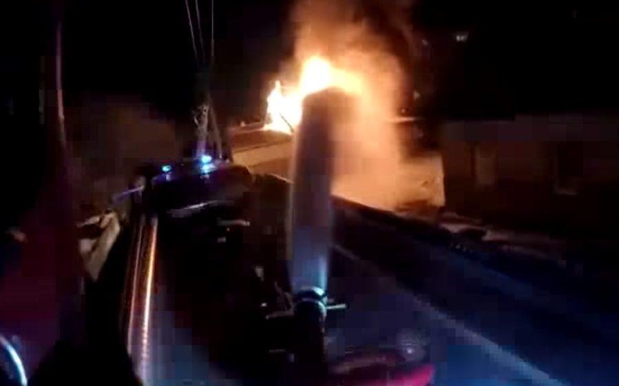Тушение пожара от первого лица — ролик снят видеокамерой с каски мозырского спасателя