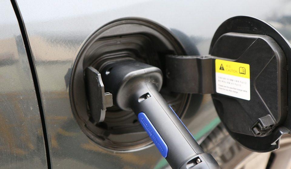 В Беларуси с 1 мая впервые вводится тариф на зарядку электромобилей