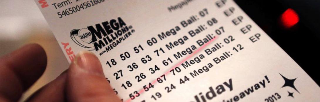 Продавец нашел лотерейный билет и, зная, что он выигрышный на миллион долларов, вернул его клиенту