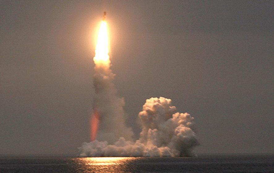 Путин заявил об испытании новой ракеты с ядерным двигателем и непредсказуемой траекторией полета