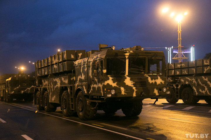 Беларусь увеличила военные расходы