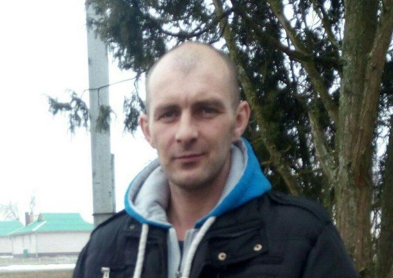 «Жена прибежала в слезах и сказала, что соседская бабушка горит» – житель Ляховичского района рассказал, как спас из огня пенсионерку