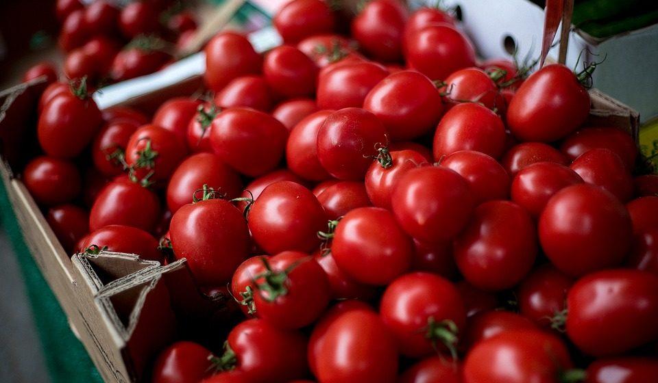 В феврале в Беларуси подорожали виноград и бананы, но стали дешевле помидоры