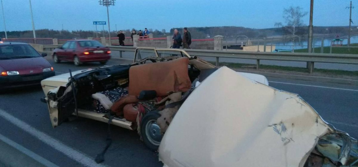 В Шклове трактор с культиватором срезал «Жигулям» крышу – пострадал водитель легковушки