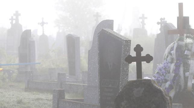 Прокуратура потребовала навести порядок на кладбищах Барановичского района