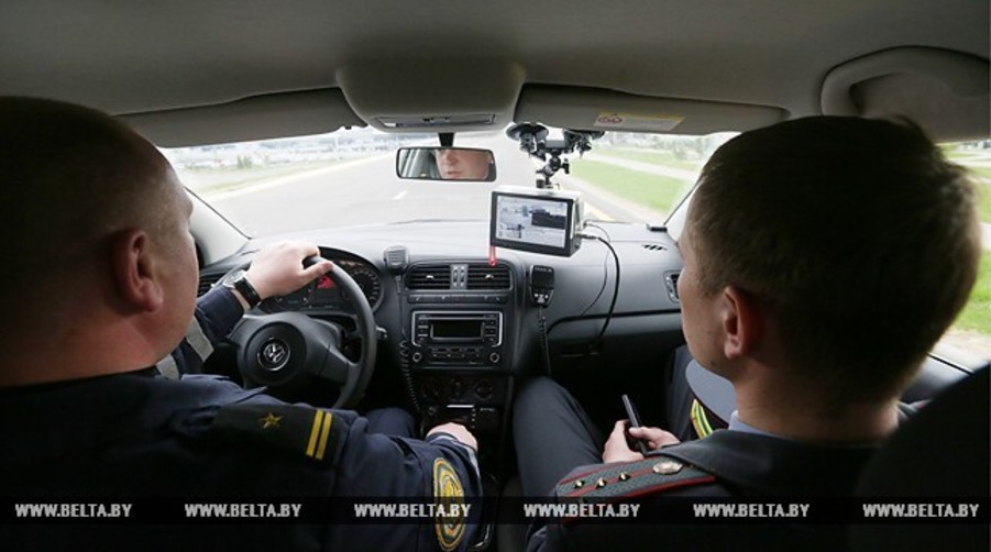 В Минске начали работать автомобили ГАИ с приборами фотофиксации нарушений парковки