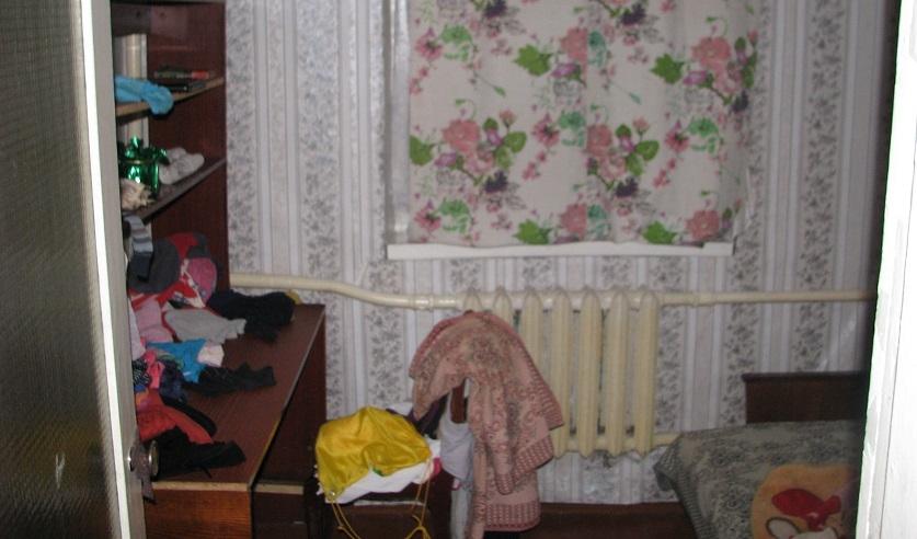 Комната, в которой врачи обнаружили травмированную девочку. Фото: http://sk.gov.by