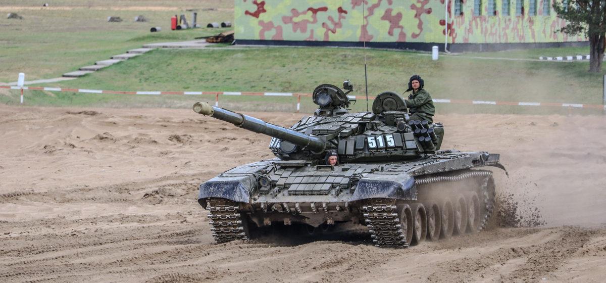 Как под Барановичами готовятся к соревнованиям по танковому биатлону (видео)