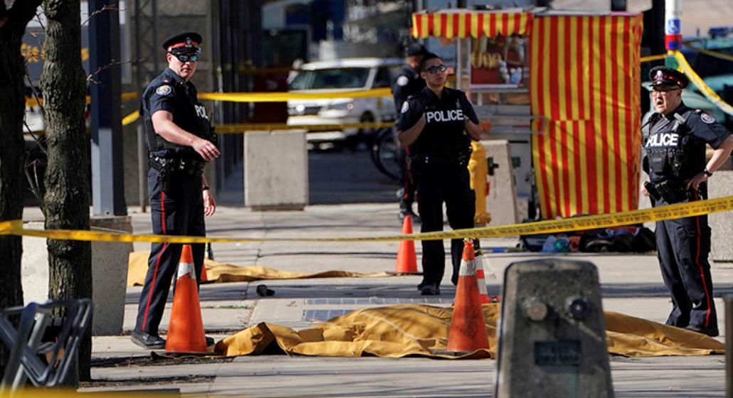 В Торонто фургон въехал в пешеходов: десять человек погибли, 15 пострадали