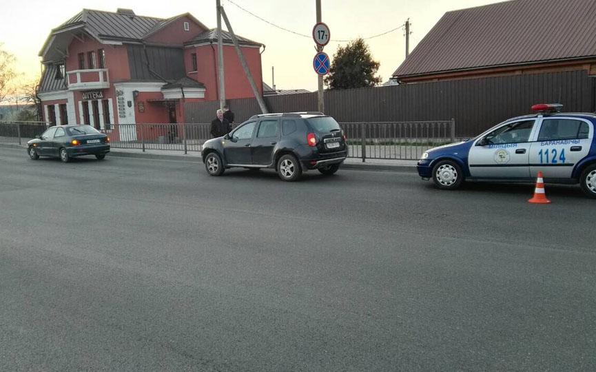 В Барановичах столкнулись две легковушки. ГАИ ищет очевидцев