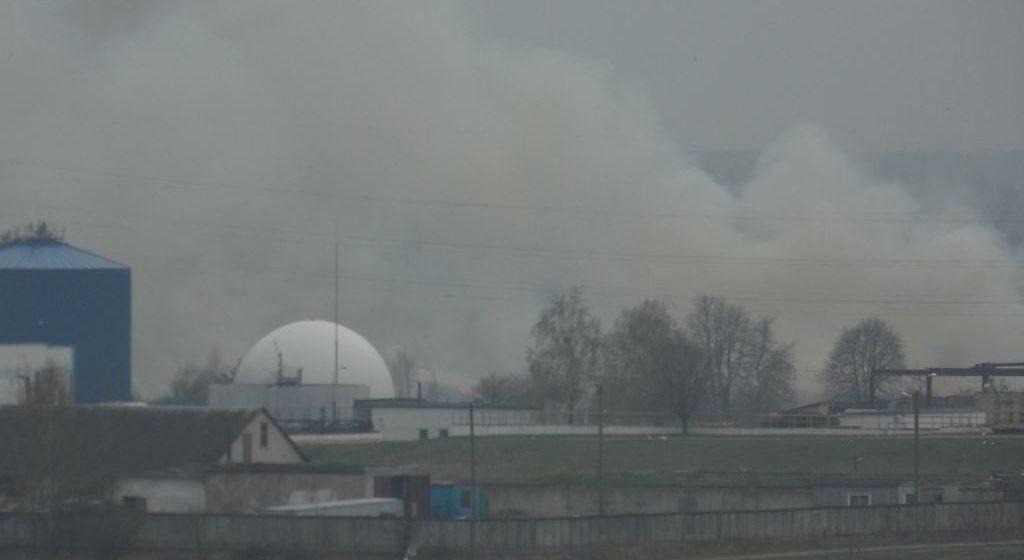 Фотофакт. В Боровках снова «горели» очистные сооружения