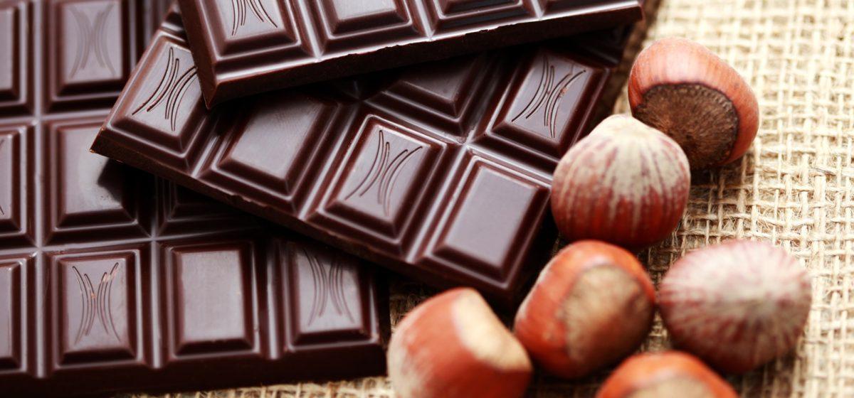 Врачи рассказали, какой шоколад уменьшает стресс и улучшает память