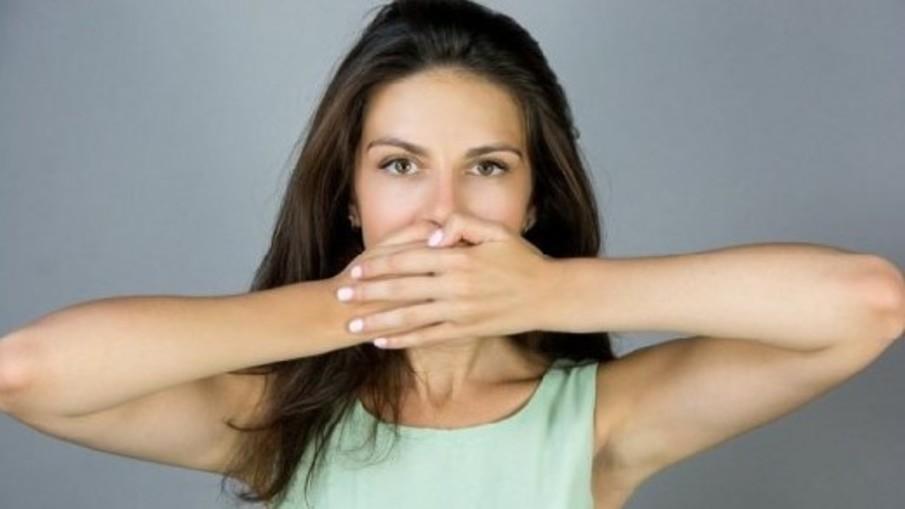 Семь способов сохранить свежее дыхание по утрам
