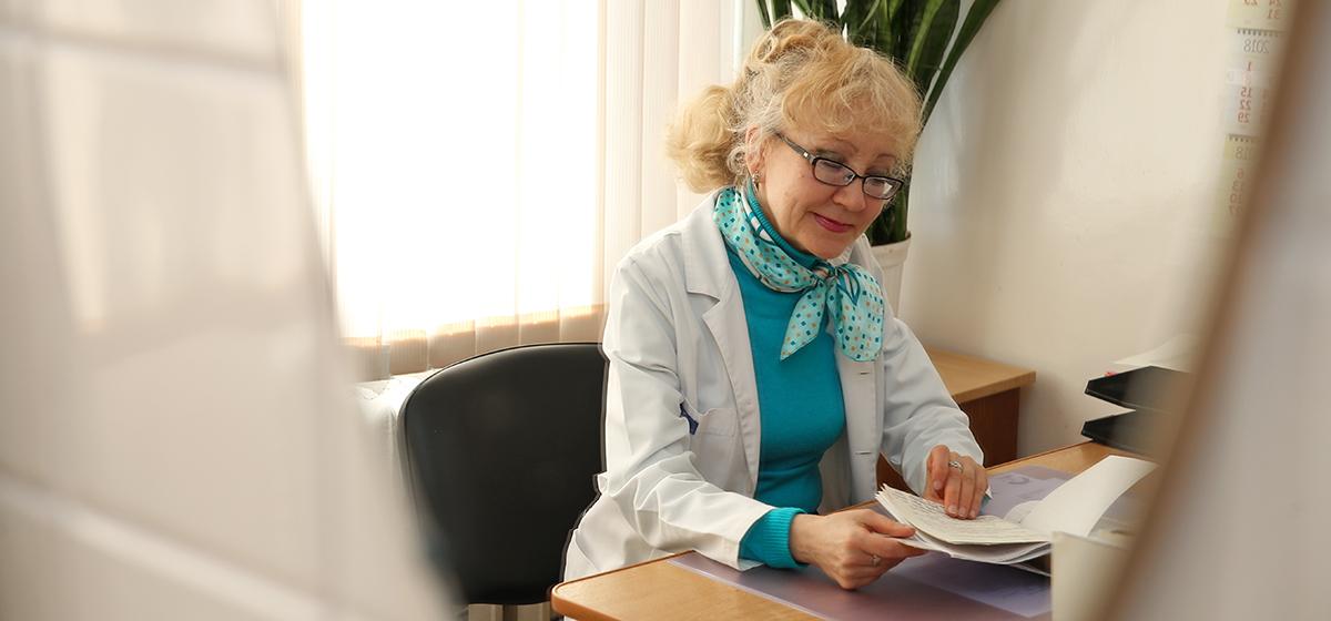 «Воспринимают как старение, а не болезнь». Барановичский невролог – о болезни Паркинсона