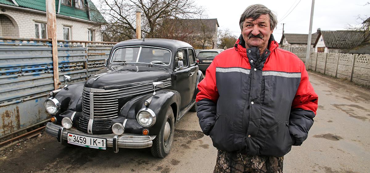«Капот сделал из холодильника». Житель Барановичей реставрирует старые авто и создает новые