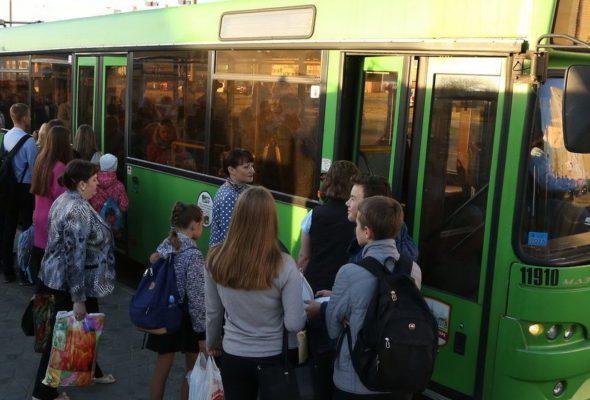 По какому расписанию в выходные дни курсирует автобус №3 в Барановичах