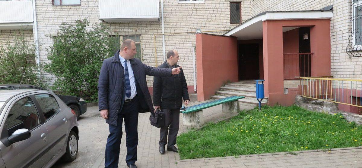 Представители Министерства ЖКХ проверили подвалы и чердаки в домах Барановичей
