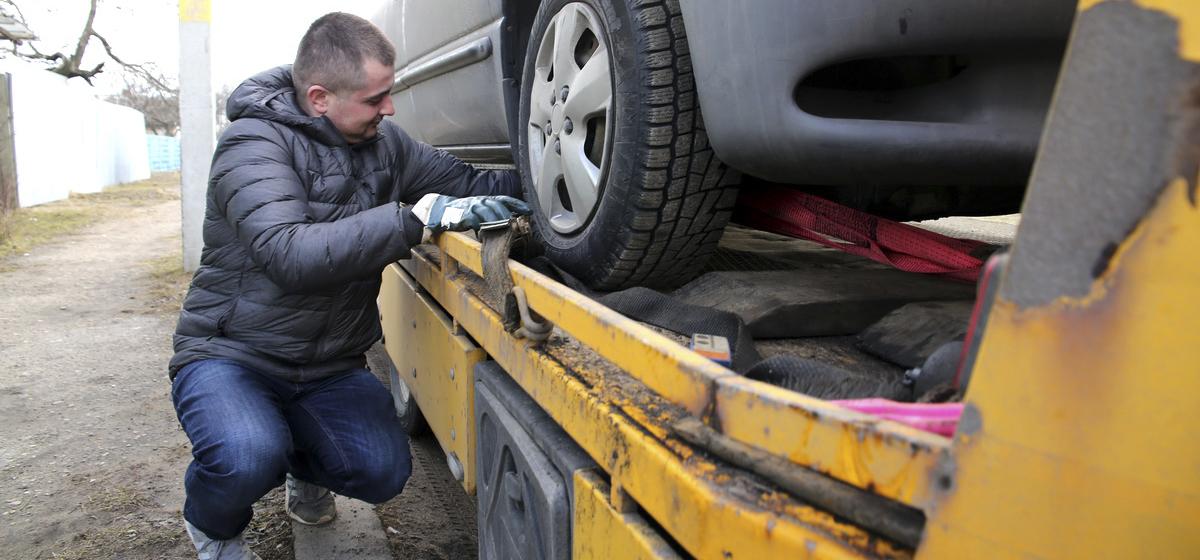 Мой бизнес. Житель Барановичей рассказал о том, как занялся услугами по эвакуации автомобилей