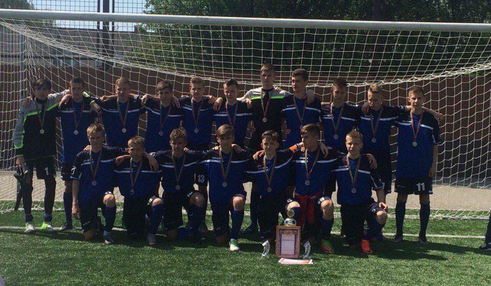 Трое футболистов и тренер из Барановичей в составе областной сборной выиграли серебро детского республиканского турнира
