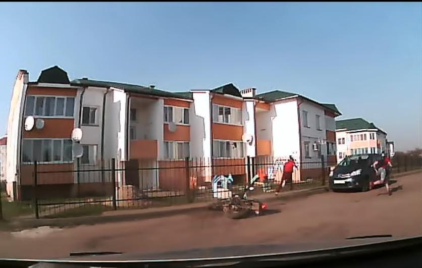 В Пинске школьник на мотоцикле устроил настоящие гонки с инспекторами ГАИ (видео)