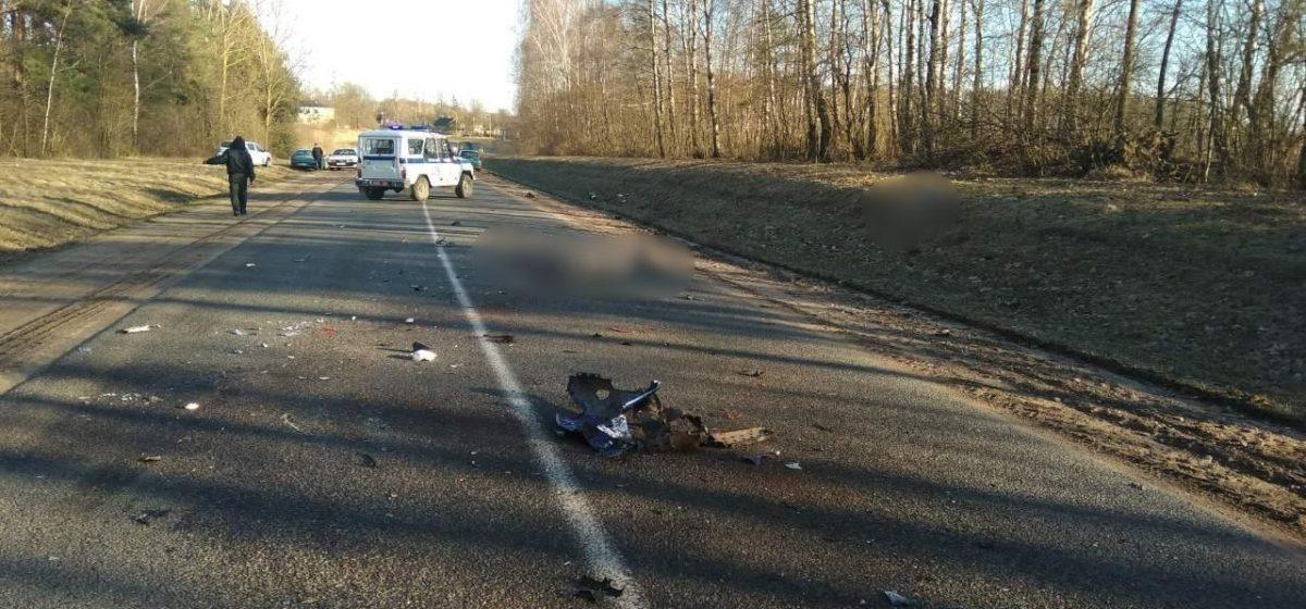 В Пружанском районе в лобовом столкновении «Ямахи» с «МАЗом» погиб мотоциклист. Девушка-пассажир байка – в реанимации